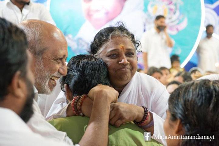 15-amma-darshan.jpg
